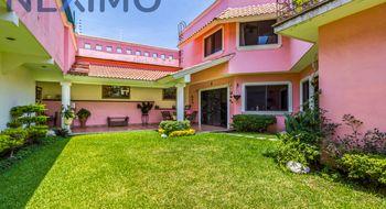 NEX-14170 - Casa en Venta en Junto al Río, CP 62584, Morelos, con 4 recamaras, con 5 baños, con 1 medio baño, con 397 m2 de construcción.