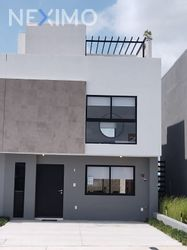 NEX-53943 - Casa en Venta, con 3 recamaras, con 2 baños, con 2 medio baños, con 128 m2 de construcción en Zizana, CP 76269, Querétaro.