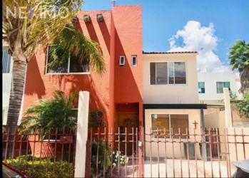 NEX-56600 - Casa en Venta, con 3 recamaras, con 3 baños, con 1 medio baño, con 192 m2 de construcción en Jurica Tolimán, CP 76230, Querétaro.