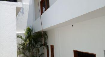 NEX-12390 - Casa en Venta en Lomas de Atzingo, CP 62180, Morelos, con 2 recamaras, con 1 baño, con 2 medio baños, con 190 m2 de construcción.