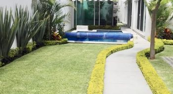 NEX-14770 - Casa en Venta en Vista Hermosa, CP 62290, Morelos, con 4 recamaras, con 5 baños, con 300 m2 de construcción.