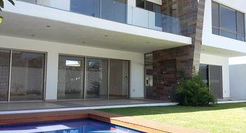 NEX-21242 - Casa en Venta en Vista Hermosa, CP 62290, Morelos, con 4 recamaras, con 5 baños, con 530 m2 de construcción.