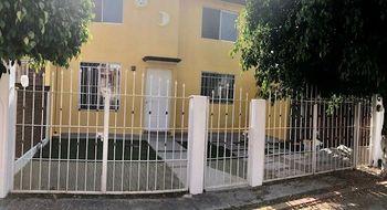 NEX-26219 - Casa en Renta en Centro Jiutepec, CP 62550, Morelos, con 4 recamaras, con 2 baños, con 131 m2 de construcción.