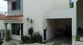 NEX-29866 - Casa en Renta en Lomas de Atzingo, CP 62180, Morelos, con 2 recamaras, con 2 baños, con 1 medio baño, con 100 m2 de construcción.