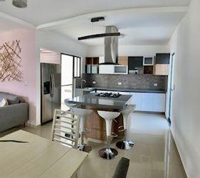 NEX-39549 - Casa en Venta en Lomas de Jiutepec, CP 62566, Morelos, con 4 recamaras, con 4 baños, con 2 medio baños, con 290 m2 de construcción.