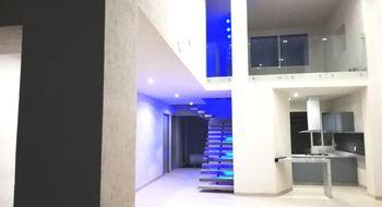 NEX-823 - Casa en Venta en Lomas de Cuernavaca, CP 62584, Morelos, con 4 recamaras, con 5 baños, con 430 m2 de construcción.