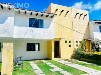 NEX-57028 - Casa en Venta, con 3 recamaras, con 3 baños, con 189 m2 de construcción en El Pueblito, CP 76904, Querétaro.