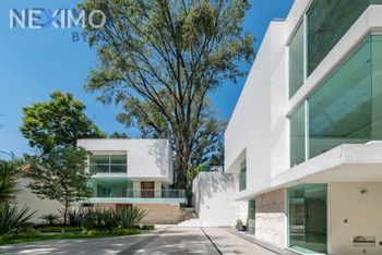 NEX-55529 - Casa en Venta, con 3 recamaras, con 5 baños, con 1 medio baño, con 354 m2 de construcción en La Concepción, CP 04020, Ciudad de México.