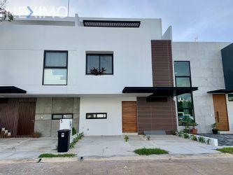 NEX-54371 - Casa en Venta, con 4 recamaras, con 3 baños, con 1 medio baño, con 208 m2 de construcción en Arbolada, CP 77533, Quintana Roo.