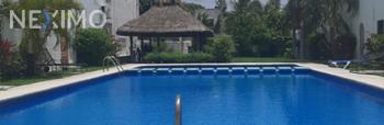 NEX-55856 - Casa en Venta, con 3 recamaras, con 2 baños, con 3 medio baños, con 170 m2 de construcción en Cancún Centro, CP 77500, Quintana Roo.