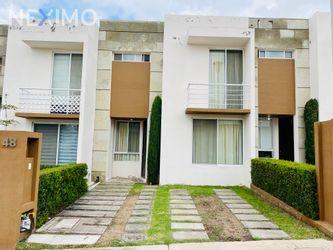 NEX-56743 - Casa en Renta, con 3 recamaras, con 2 baños, con 1 medio baño, con 113 m2 de construcción en El Mirador, CP 76134, Querétaro.