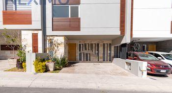 NEX-24272 - Casa en Venta en Zibatá, CP 76269, Querétaro, con 3 recamaras, con 4 baños, con 4 medio baños, con 230 m2 de construcción.