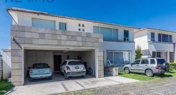 NEX-1043 - Casa en Venta en San Salvador Tizatlalli, CP 52172, México, con 4 recamaras, con 3 baños, con 1 medio baño, con 431 m2 de construcción.