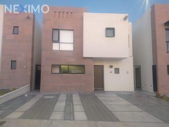 NEX-25329 - Casa en Venta, con 3 recamaras, con 2 baños, con 1 medio baño, con 154 m2 de construcción en Residencial el Refugio, CP 76146, Querétaro.
