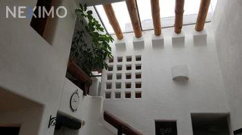 NEX-1133 - Casa en Venta, con 3 recamaras, con 2 baños, con 430 m2 de construcción en Lomas 4ta Sección, CP 78216, San Luis Potosí.
