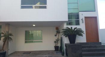 NEX-26617 - Casa en Venta en Lomas 3a Secc, CP 78216, San Luis Potosí, con 4 recamaras, con 3 baños, con 1 medio baño, con 220 m2 de construcción.