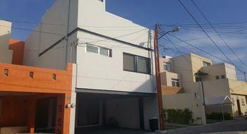 NEX-26635 - Casa en Venta en Del Valle, CP 78200, San Luis Potosí, con 4 recamaras, con 3 baños, con 1 medio baño, con 278 m2 de construcción.