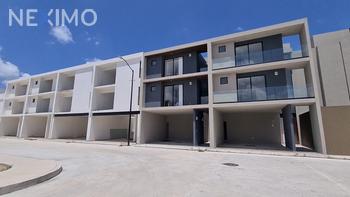 NEX-51076 - Casa en Venta, con 3 recamaras, con 2 baños, con 1 medio baño, con 291 m2 de construcción en El Refugio, CP 76505, Querétaro.