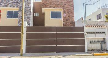 NEX-26832 - Casa en Renta en El Barreal, CP 72814, Puebla, con 3 recamaras, con 2 baños, con 2 medio baños, con 173 m2 de construcción.