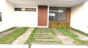 NEX-20775 - Casa en Venta en Cañadas del Lago, CP 76922, Querétaro, con 3 recamaras, con 3 baños, con 2 medio baños, con 290 m2 de construcción.