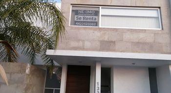 NEX-25224 - Casa en Renta en Residencial el Refugio, CP 76146, Querétaro, con 3 recamaras, con 2 baños, con 1 medio baño, con 250 m2 de construcción.