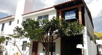 NEX-28316 - Casa en Venta en Real del Bosque, CP 76922, Querétaro, con 3 recamaras, con 2 baños, con 1 medio baño, con 180 m2 de construcción.