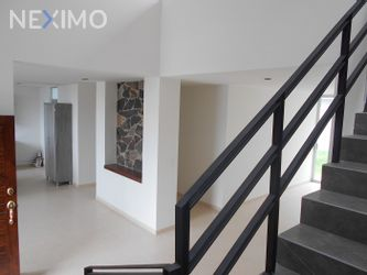 NEX-3419 - Casa en Venta, con 3 recamaras, con 3 baños, con 1 medio baño, con 200 m2 de construcción en Real de Juriquilla, CP 76226, Querétaro.