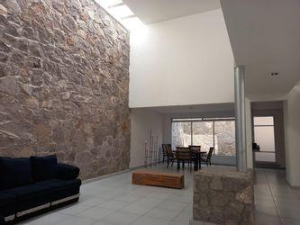 NEX-41185 - Casa en Venta en Tejeda, CP 76904, Querétaro, con 4 recamaras, con 3 baños, con 1 medio baño, con 330 m2 de construcción.