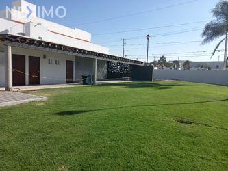 NEX-42867 - Casa en Venta, con 3 recamaras, con 2 baños, con 1 medio baño, con 161 m2 de construcción en Mediterráneo I, CP 76908, Querétaro.