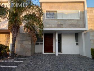 NEX-44659 - Casa en Renta, con 3 recamaras, con 2 baños, con 1 medio baño, con 172 m2 de construcción en Residencial el Refugio, CP 76146, Querétaro.