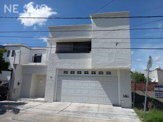 NEX-47856 - Casa en Venta, con 4 recamaras, con 4 baños, con 1 medio baño, con 300 m2 de construcción en Mansiones del Valle, CP 76185, Querétaro.