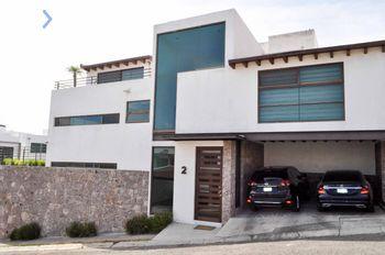 NEX-49111 - Casa en Venta, con 3 recamaras, con 3 baños, con 1 medio baño, con 360 m2 de construcción en Hacienda Real Tejeda, CP 76904, Querétaro.