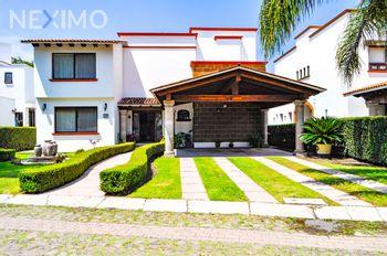 NEX-49442 - Casa en Venta, con 3 recamaras, con 4 baños, con 1 medio baño, con 386 m2 de construcción en Balvanera Polo y Country Club, CP 76915, Querétaro.