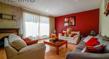 NEX-5062 - Casa en Renta en Juriquilla, CP 76226, Querétaro, con 3 recamaras, con 2 baños, con 1 medio baño, con 202 m2 de construcción.