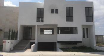 NEX-6827 - Casa en Venta en Cañadas del Lago, CP 76922, Querétaro, con 3 recamaras, con 3 baños, con 1 medio baño, con 410 m2 de construcción.