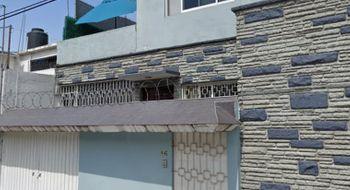 NEX-31440 - Casa en Renta en Viveros del Valle, CP 54060, México, con 3 recamaras, con 2 baños, con 190 m2 de construcción.