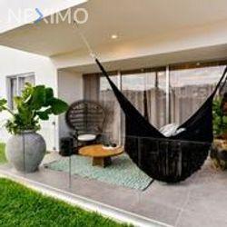 NEX-32609 - Departamento en Venta, con 3 recamaras, con 3 baños, con 89 m2 de construcción en Cancún Centro, CP 77500, Quintana Roo.