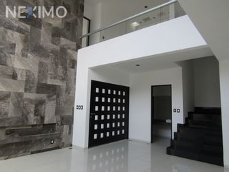 NEX-14254 - Casa en Venta, con 3 recamaras, con 3 baños, con 2 medio baños, con 285 m2 de construcción en Horizontes Residencial, CP 78216, San Luis Potosí.