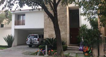 NEX-24025 - Casa en Renta en Villantigua, CP 78214, San Luis Potosí, con 3 recamaras, con 3 baños, con 3 medio baños, con 350 m2 de construcción.
