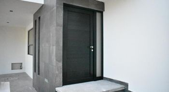 NEX-25995 - Casa en Venta en San Angel I, CP 78120, San Luis Potosí, con 3 recamaras, con 2 baños, con 1 medio baño, con 195 m2 de construcción.