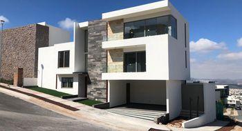 NEX-28832 - Casa en Venta en Club de Golf la Loma, CP 78215, San Luis Potosí, con 3 recamaras, con 3 baños, con 2 medio baños, con 334 m2 de construcción.