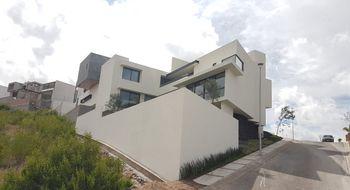 NEX-32442 - Casa en Venta en Club de Golf la Loma, CP 78215, San Luis Potosí, con 3 recamaras, con 3 baños, con 2 medio baños, con 580 m2 de construcción.