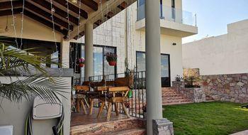 NEX-33059 - Casa en Venta en Club de Golf la Loma, CP 78215, San Luis Potosí, con 3 recamaras, con 3 baños, con 1 medio baño, con 520 m2 de construcción.