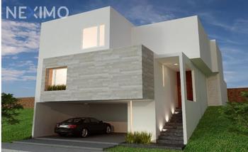 NEX-33661 - Casa en Venta, con 3 recamaras, con 3 baños, con 1 medio baño, con 291 m2 de construcción en Monterra, CP 78215, San Luis Potosí.