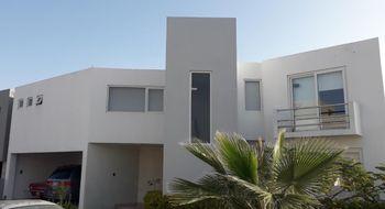 NEX-21084 - Casa en Venta en Club de Golf la Loma, CP 78215, San Luis Potosí, con 3 recamaras, con 3 baños, con 1 medio baño, con 320 m2 de construcción.