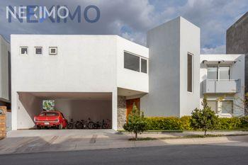 NEX-21084 - Casa en Venta, con 3 recamaras, con 3 baños, con 1 medio baño, con 320 m2 de construcción en Club de Golf la Loma, CP 78215, San Luis Potosí.