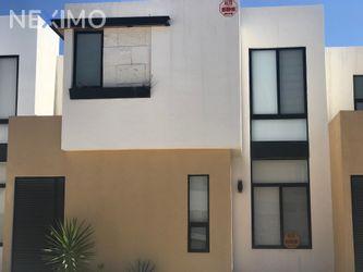 NEX-27905 - Casa en Venta, con 3 recamaras, con 2 baños, con 1 medio baño, con 120 m2 de construcción en Pozos Residencial, CP 78397, San Luis Potosí.