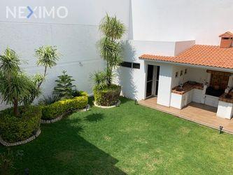 NEX-42039 - Casa en Renta en Tangamanga, CP 78269, San Luis Potosí, con 3 recamaras, con 3 baños, con 2 medio baños, con 350 m2 de construcción.