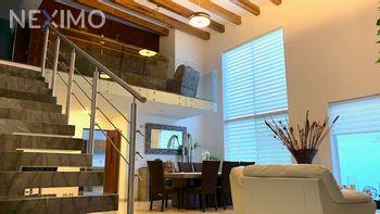 NEX-49778 - Casa en Venta, con 4 recamaras, con 4 baños, con 1 medio baño, con 352 m2 de construcción en Lomas del Tecnológico, CP 78215, San Luis Potosí.
