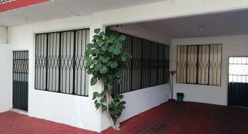 NEX-12913 - Casa en Renta en Costa Azul, CP 39850, Guerrero, con 4 recamaras, con 3 baños, con 1 medio baño, con 200 m2 de construcción.